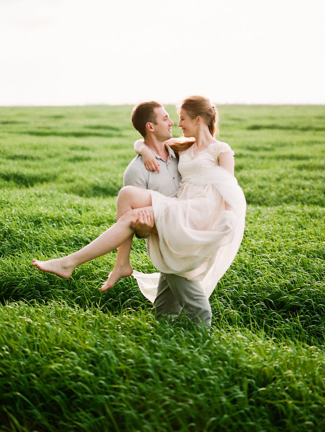 Spring grassy field session | Vitaly Ageev Fine Art Photography