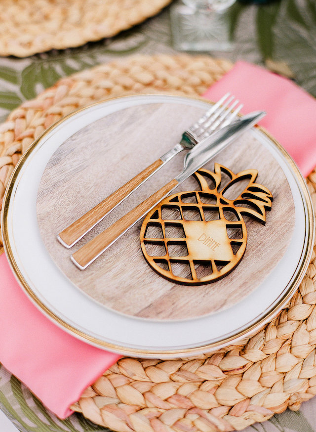 Pineapple place cards | Leighanne Herr Photography