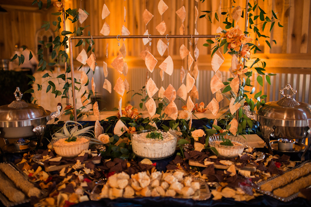Pita and hummus bar | Sweet Roots Photography