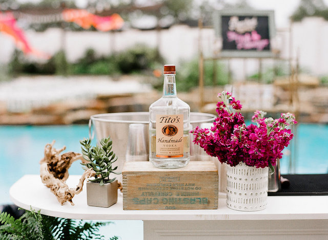 Poolside drink station | Leighanne Herr Photography