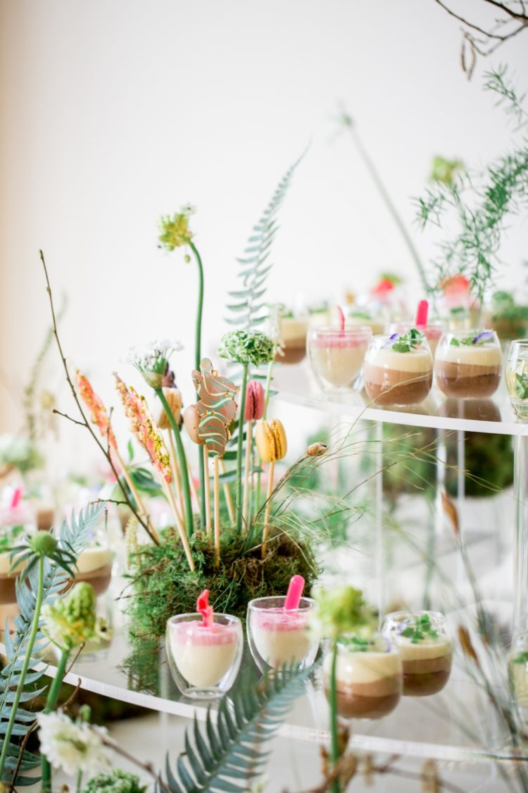 Who wouldn't like to try these gorgeous desserts served on a botanical stand with greenery and moss