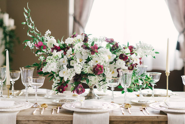 Burgundy and white floral centerpiece | Arturo Diluart Photography