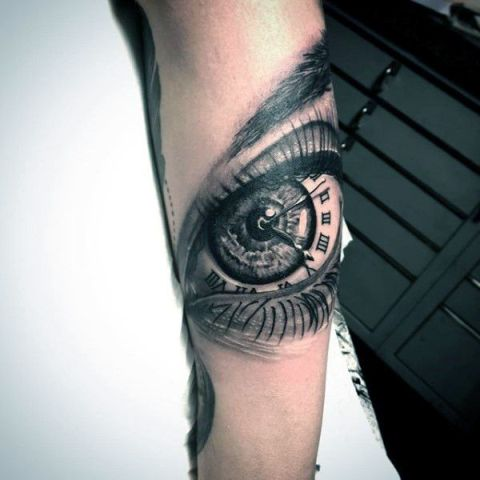 Clock as eye tattoo