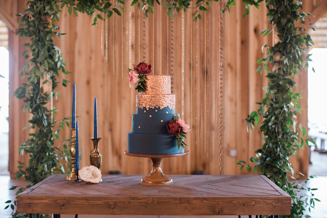 Copper and navy wedding cake | Sweet Roots Photography