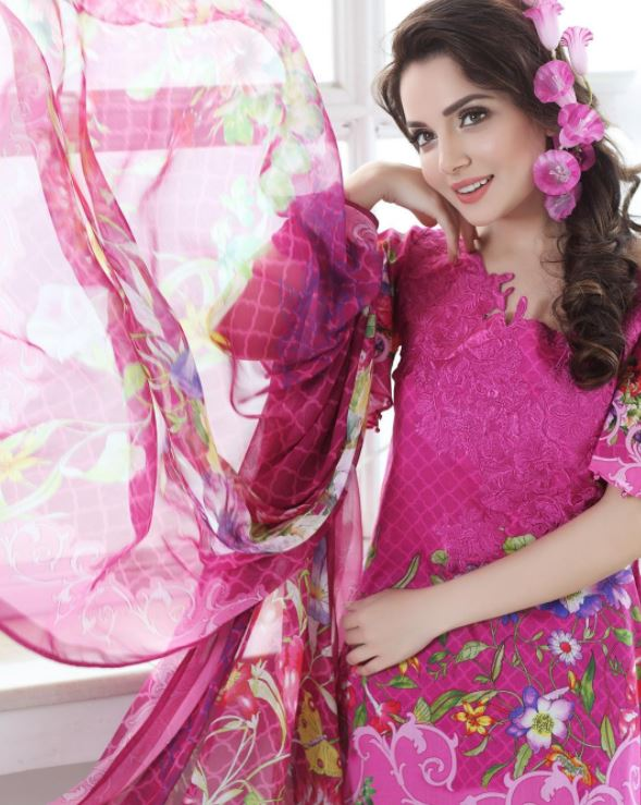 Outfits for Pakistani Women Over 30 (22)
