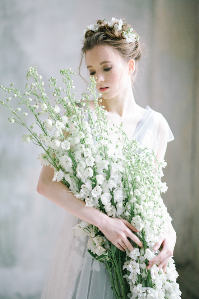 Oversized bridal bouquet | Anna Zabrodina Photography