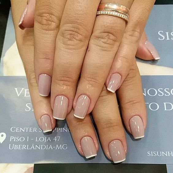 French square nails are classics suitable for any case