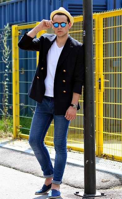 With white t-shirt, skinny jeans and black blazer