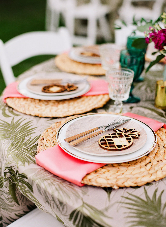 Palm Springs inspired tablescape | Leighanne Herr Photography