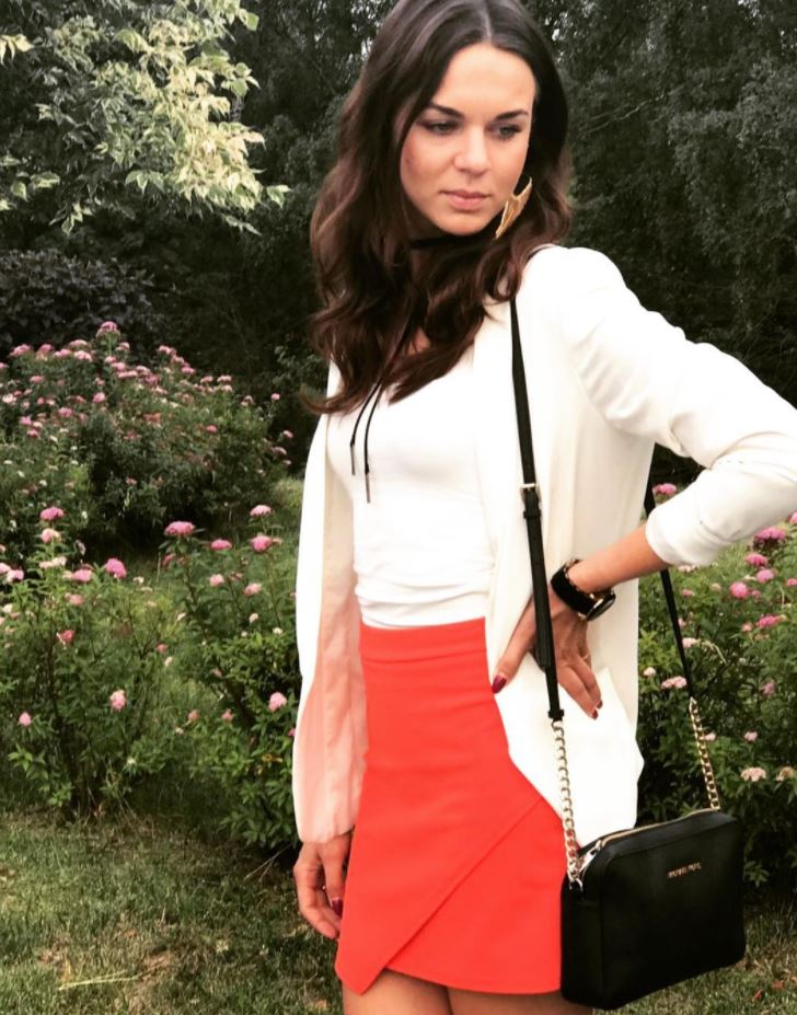 orange skirt outfits (10)