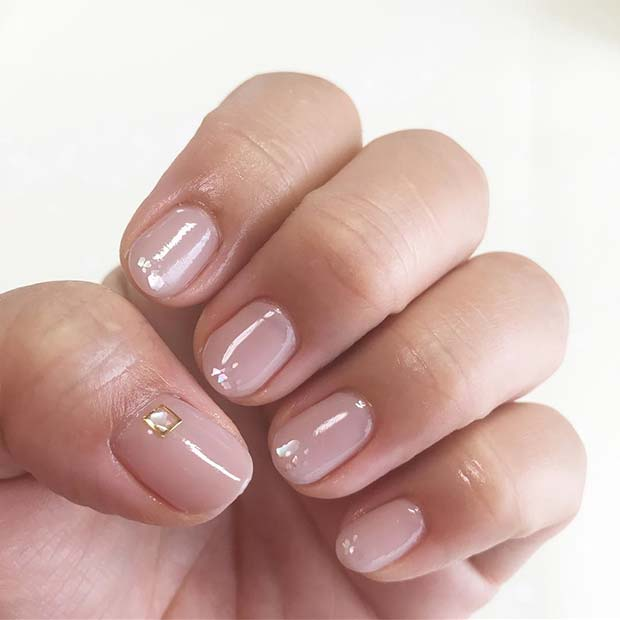 Light Nails with Crystal Accent Nail for Elegant Nail Designs for Short Nails