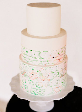 Palm Springs inspired wedding cake | Leighanne Herr Photography