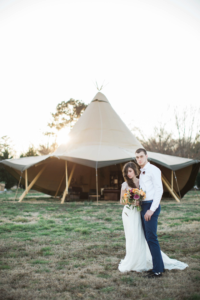 Tipi wedding | Sweet Roots Photography