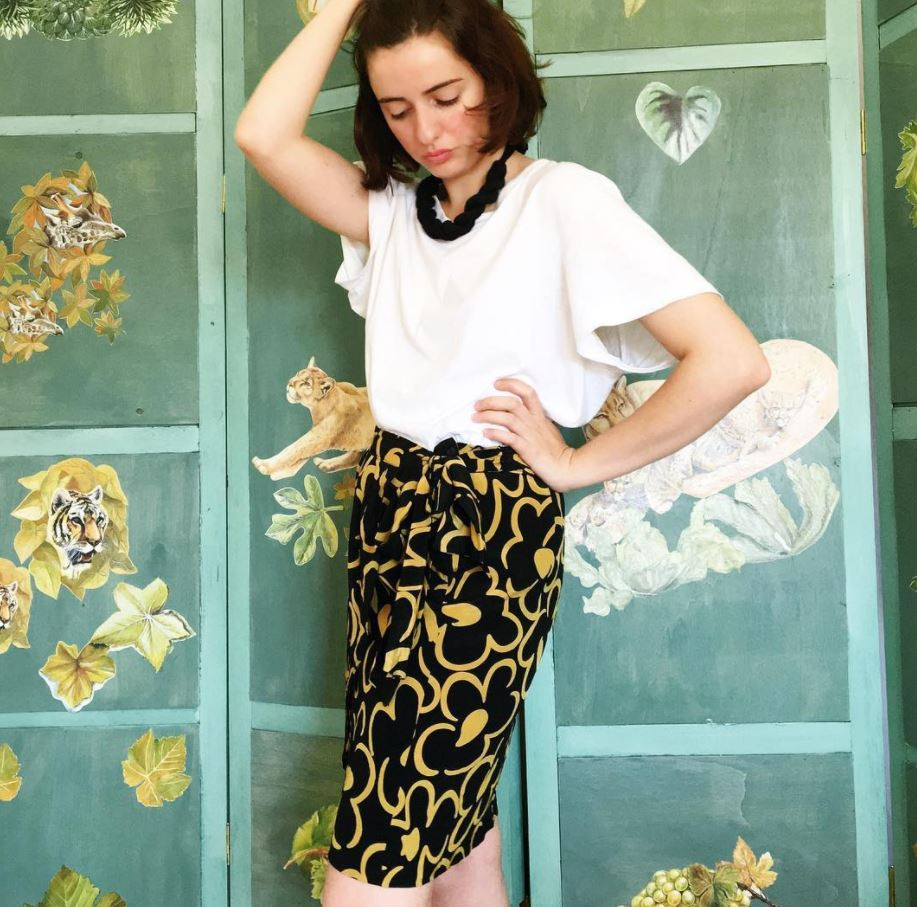 Ways to Wear a Wrap Skirt in Style (3)