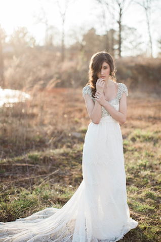 Elegant and glamorous wedding dress | Sweet Roots Photography