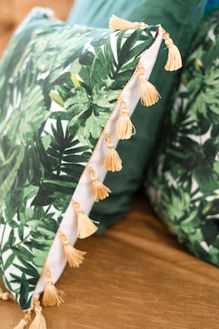 Palm from cushions with tassels