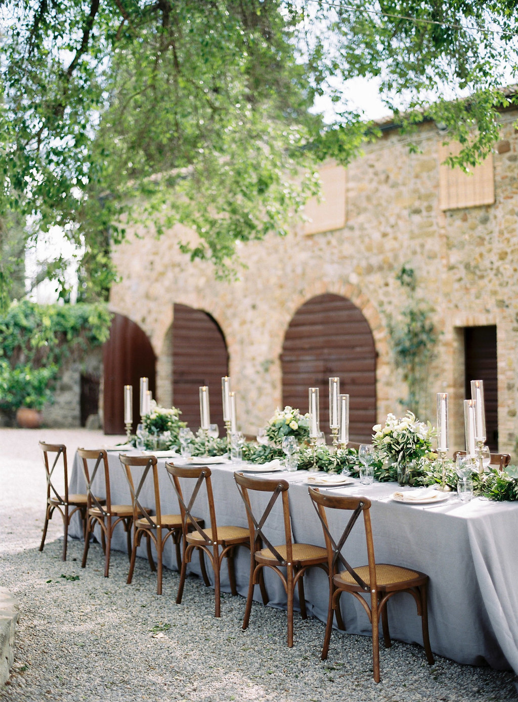 Tuscan wedding receptions - photo by Katie Grant Photography http://ruffledblog.com/classically-beautiful-intimate-wedding-in-tuscany