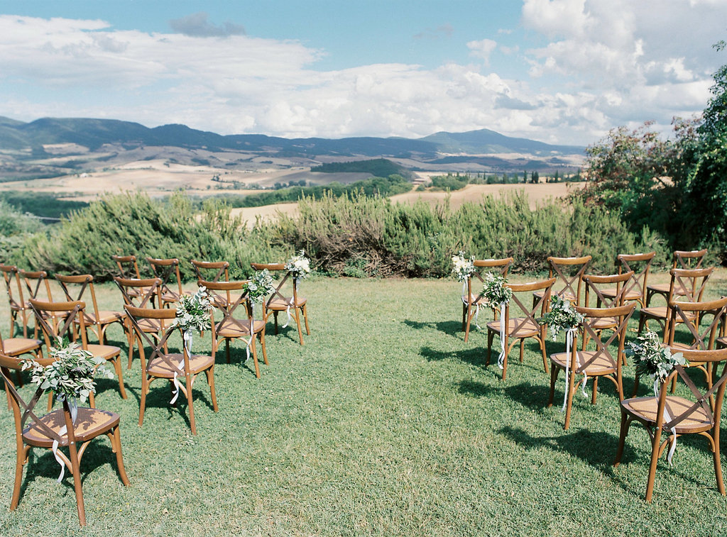 Tuscan wedding ceremonies - photo by Katie Grant Photography http://ruffledblog.com/classically-beautiful-intimate-wedding-in-tuscany