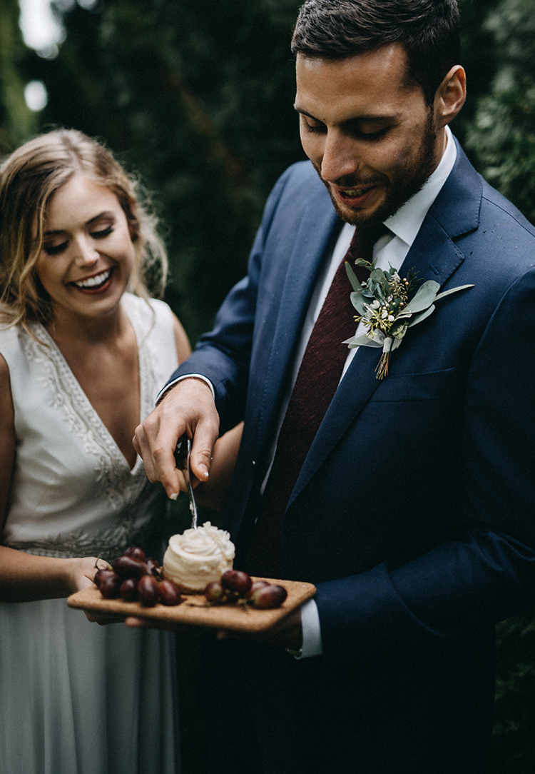 wedding desserts - photo by Minerva House Photography http://ruffledblog.com/dreamy-waterfall-elopement-at-wahclella-falls