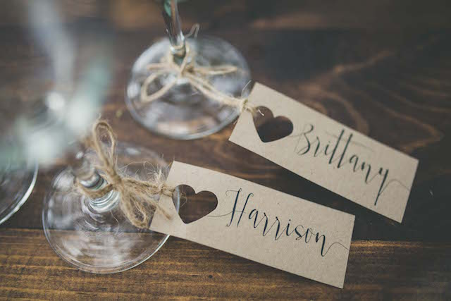 His and hers place cards | Maui Maka Photography