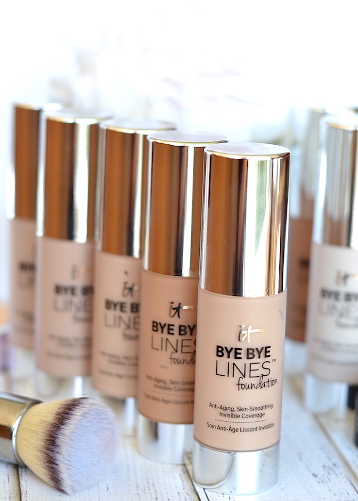 Double-duty beauty! The new IT Cosmetics Bye Bye Lines Foundation is a lightweight and long-wearing complexion perfecting foundation that feels like nothing on the skin while offering a ton of skincare benefits!