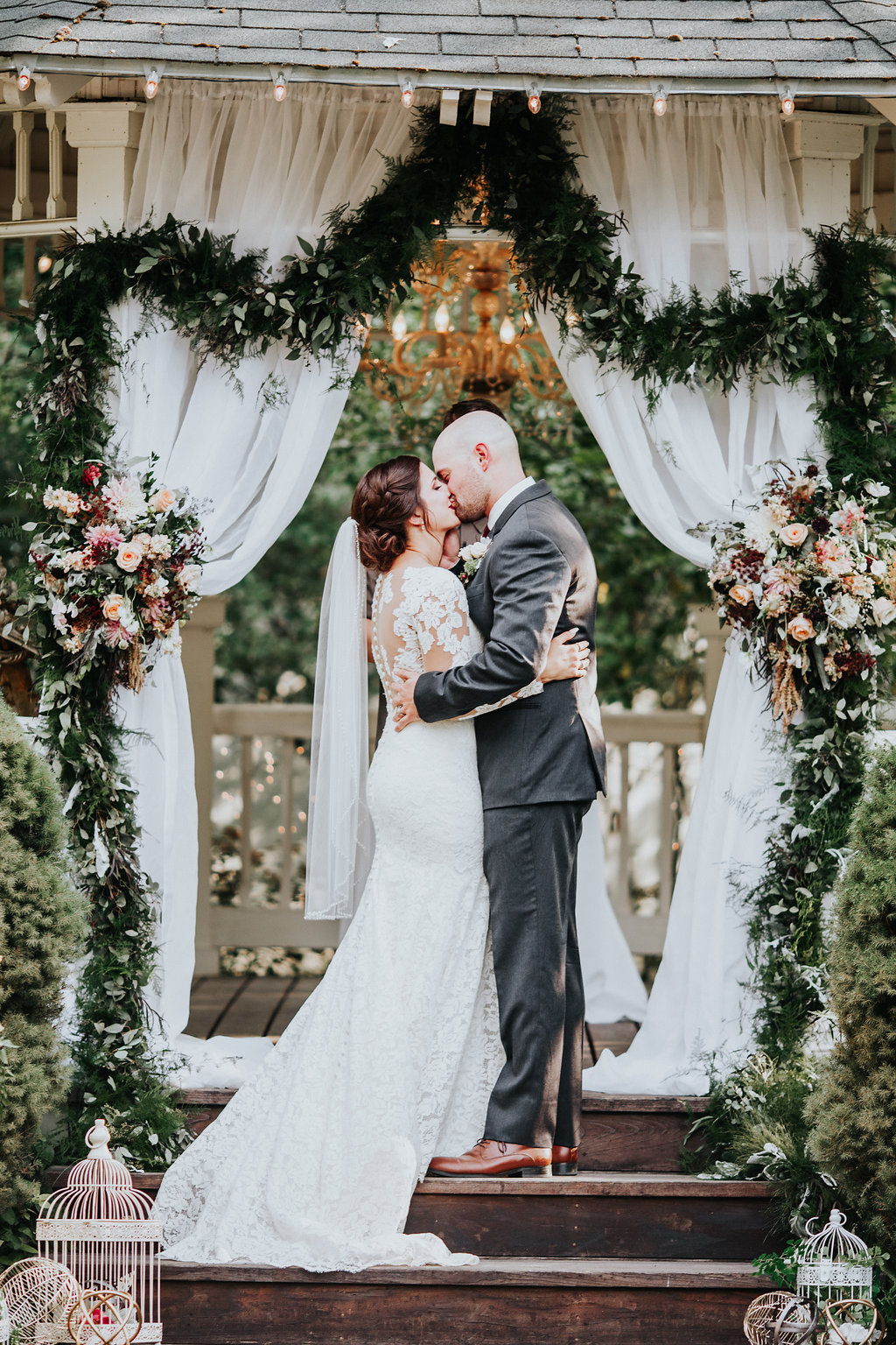 romantic ceremonies with greenery and flowers - http://ruffledblog.com/glam-autumn-wedding-at-belle-gardens