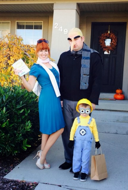 Despicable me halloween costumes for the whole family