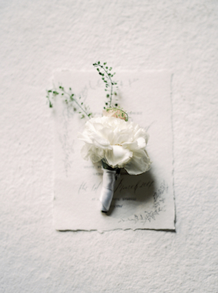White and grey boutonnière