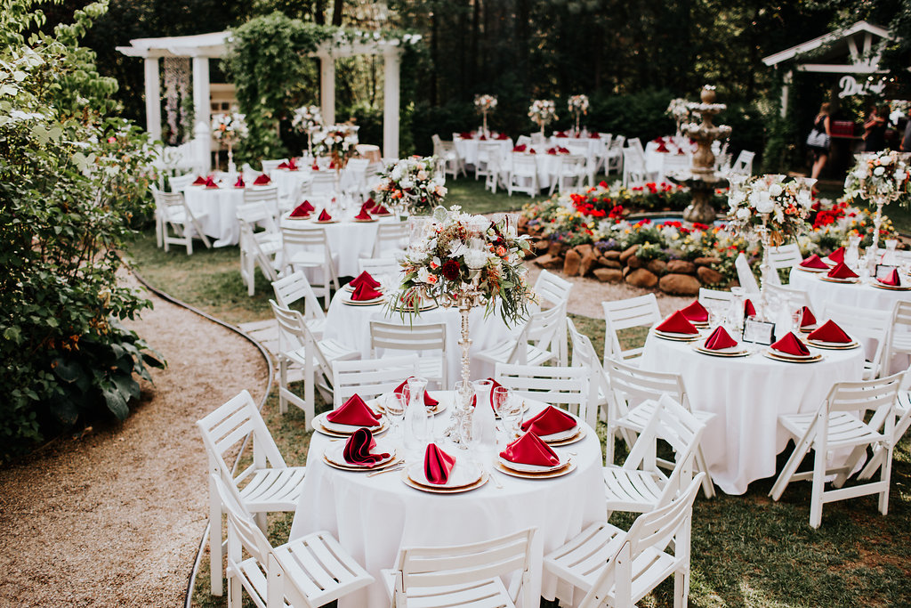 wedding tablescapes with red accents - http://ruffledblog.com/glam-autumn-wedding-at-belle-gardens