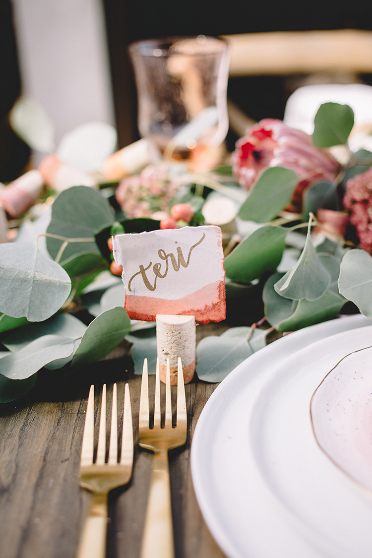 DIY these dip dye cork place card + menu holders!