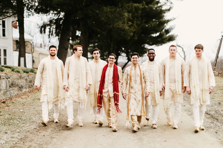 The whole groomsmen party went for Indian clothes, too