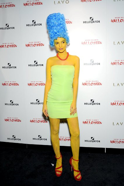 Funny Marge Simpson idea with blue wig