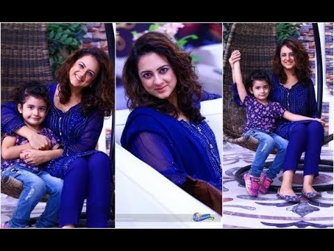 Pakistani Mother Daughter Outfits (7)