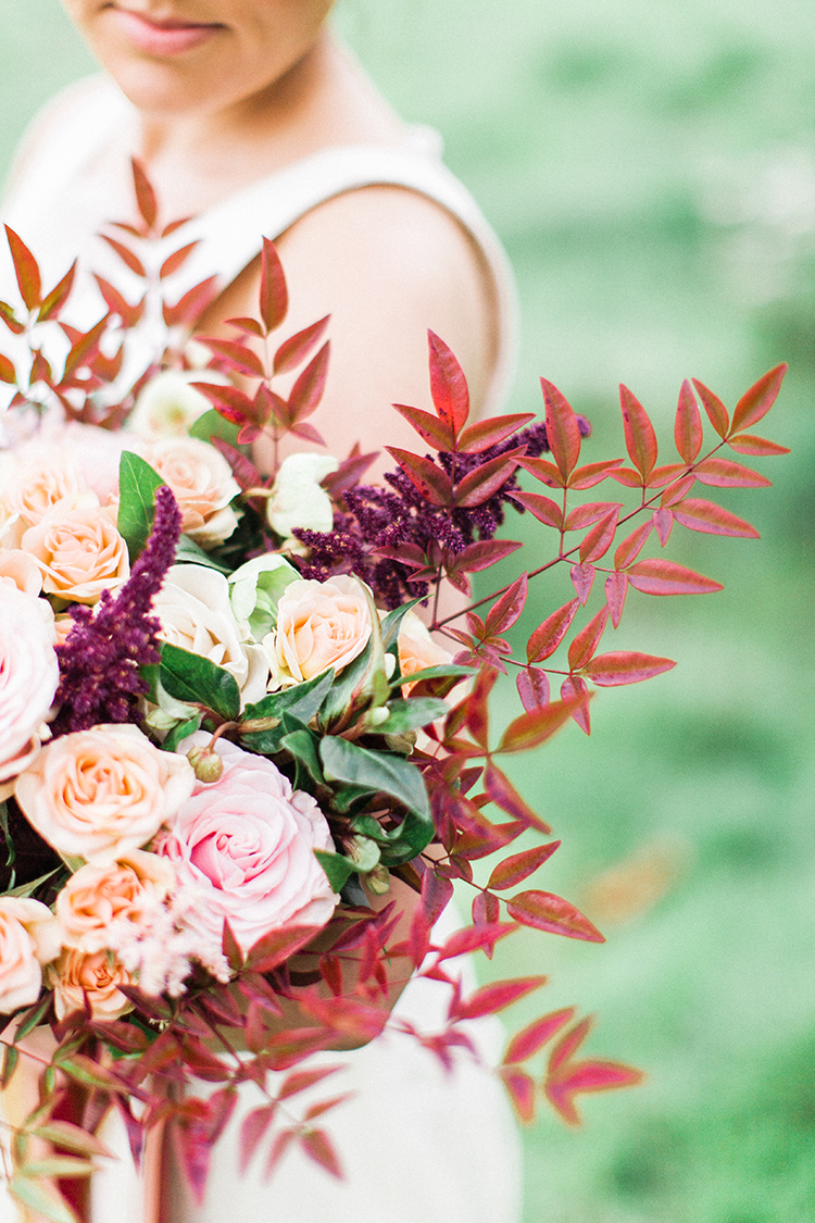 fall wedding bouquets - http://ruffledblog.com/winery-vow-renewal-inspiration-with-autumn-leaves