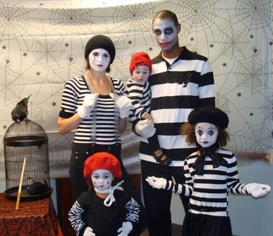 mime family costumes for Halloween
