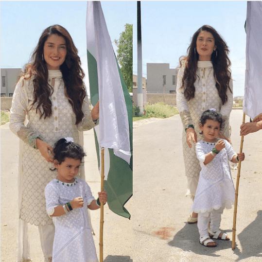 Pakistani Mother Daughter Outfits (11)