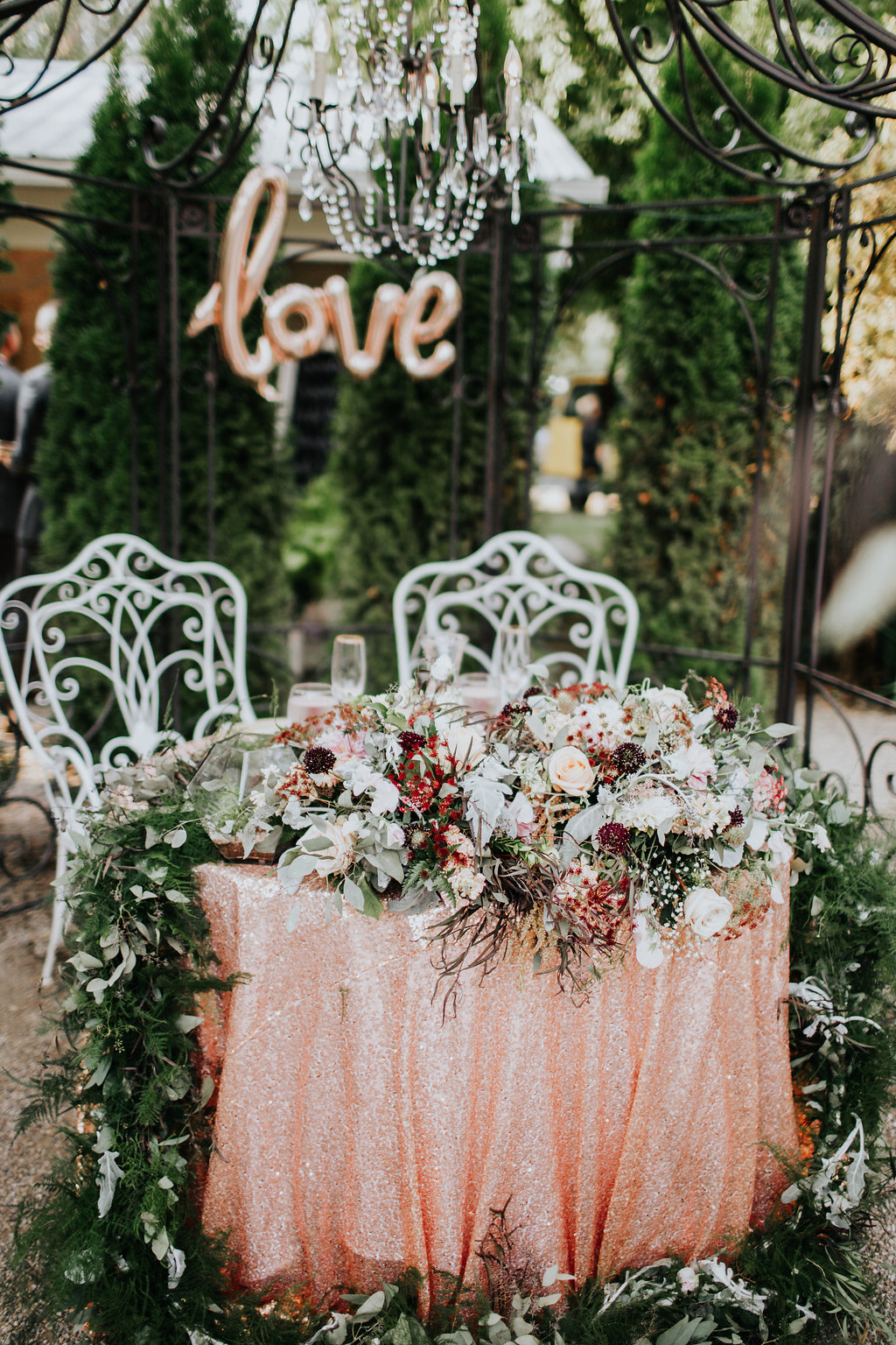 romantic lush sweetheart tables - http://ruffledblog.com/glam-autumn-wedding-at-belle-gardens