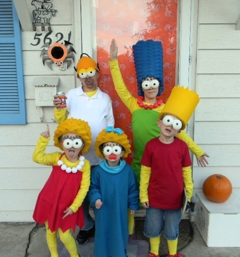 The Simpsons family costumes