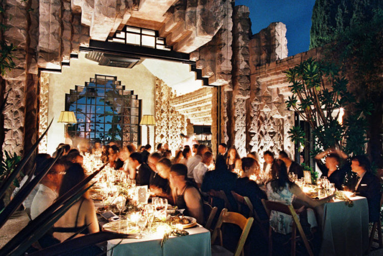 Everyone enjoyed the dinner in the mesmerizing courtyard of the house