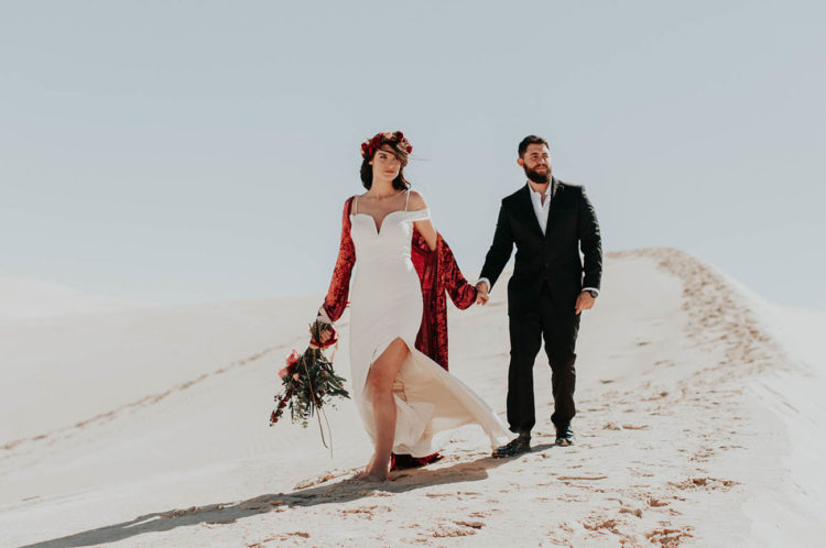 This boho desert elopement shoot will be a great source of inspiration for all the couples that want to elope