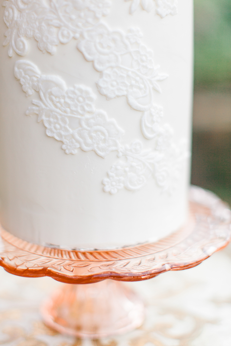 lace embroidery inspired wedding cakes - http://ruffledblog.com/winery-vow-renewal-inspiration-with-autumn-leaves