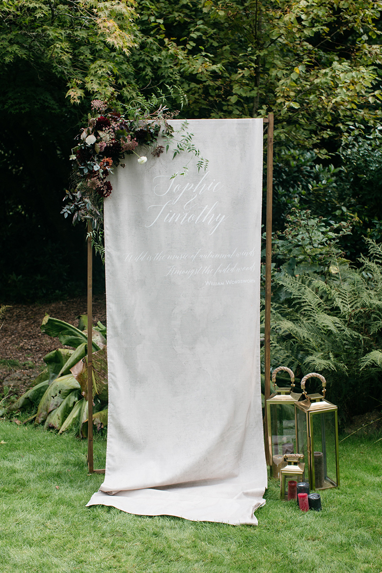romantic fall wedding inspiration - https://ruffledblog.com/woodland-luxe-wedding-inspiration-with-fall-colors