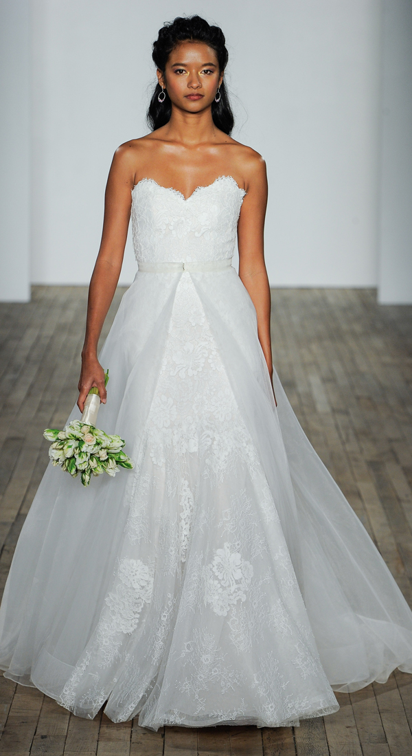 Romantic Wedding Dresses for the modern bride #weddingdresses #wedding #bride