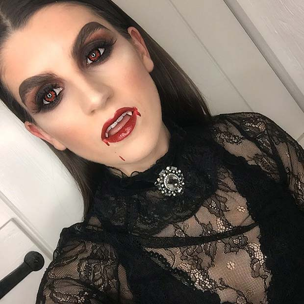 Vampire Makeup for Pretty Halloween Makeup Ideas