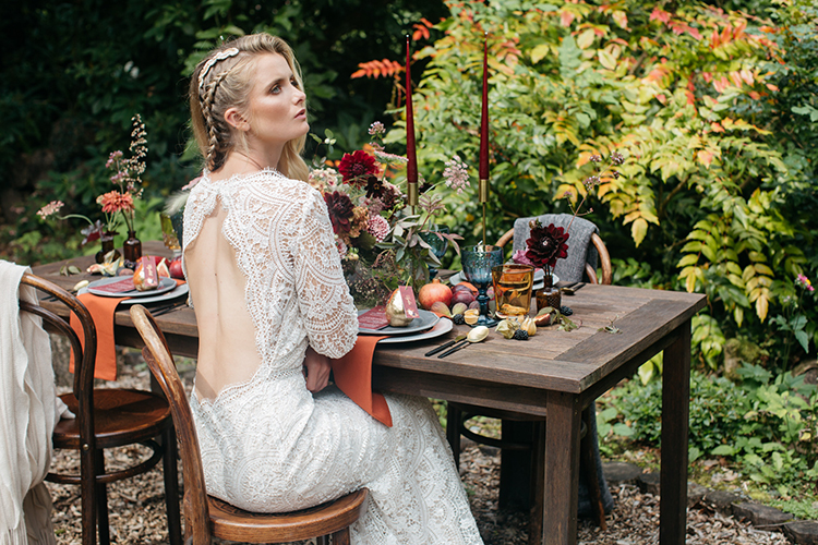 fall wedding inspiration - https://ruffledblog.com/woodland-luxe-wedding-inspiration-with-fall-colors