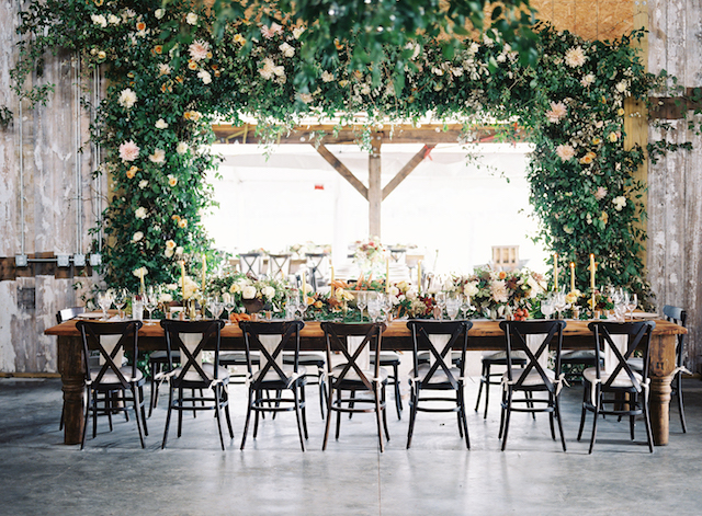 Have a look at this gorgeous foliage and bloom canopy over the table
