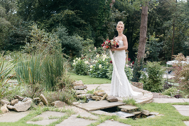 romantic garden wedding inspiration - https://ruffledblog.com/woodland-luxe-wedding-inspiration-with-fall-colors