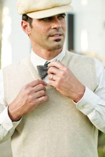 a neutral knit vest for a 1920s inspired groom's look is a gorgeous idea to look chic