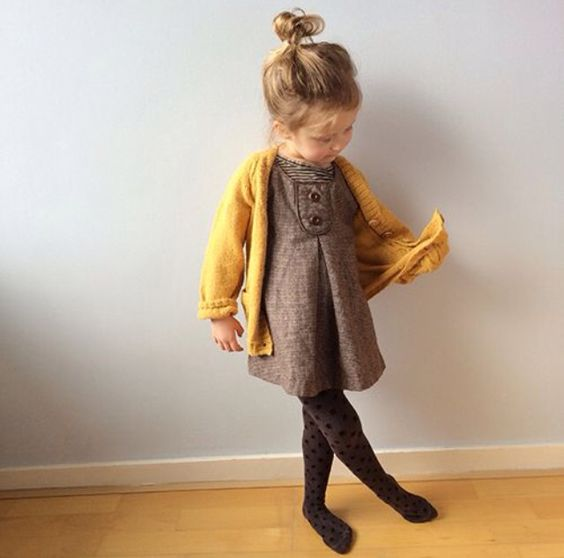 a brown dress with buttons, a mustard cardigan and printed tights for a comfy and girlish look
