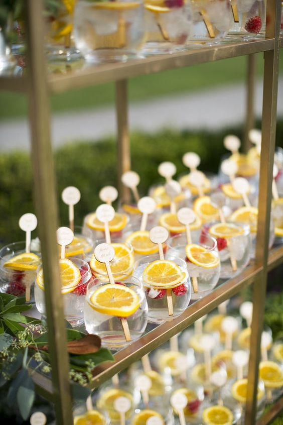 refreshing summer drinks with citrus and strawberry are perfect to make your guests enjoy even hot weather